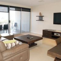 Three-Bedroom Premier Apartment with Ocean View - Ocean 3