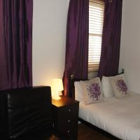 Basic Double Room with Shared Facilities