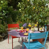Hotel Pictures: Chez L'Antiquaire, Hauterives