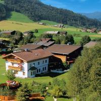 Hotel Pictures: Holiday Park Flachau - Reitdorf 96, Höch