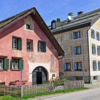 Hotel Pictures: Holiday Home Bever by St. Moritz 1542, Bever