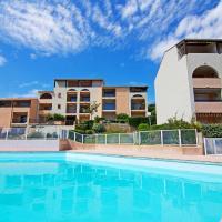 Hotel Pictures: Apartment LES ISSAMBRES 4468, Saint-Peïre-sur-Mer