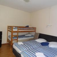 Family Room with Shared Shower and Toilet (2 Adults + 2 Children)