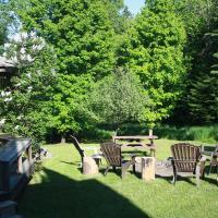 Hotel Pictures: Chalets et Studios Le Vent Du Nord, Lac-Superieur