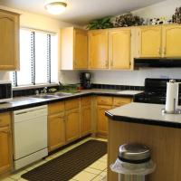 Hotel Pictures: Quails Nest Holiday Home, Wofford Heights