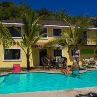 Hotel Pictures: Wipeout Hostel, Jacó
