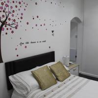 Deluxe 2 Bedroom Family Room