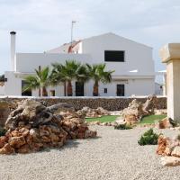 Hotel Pictures: Turismo Rural Biniati des Pi, Sant Lluis