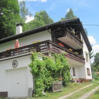 Hotel Pictures: Chalet Catton, Radenthein
