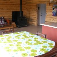 Hotel Pictures: Tatuk Lake Resort, Vanderhoof