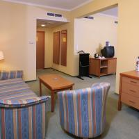 Family Suite (2 Adults + 3 Children)