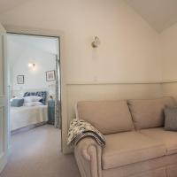 Luxury One-Bedroom Cottage
