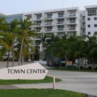 Town Center Master Suite