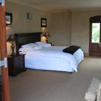 Overberg Suite with Private lounge and Hot Tub