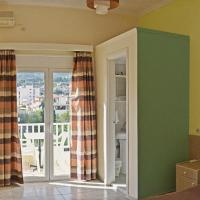 Single Room with Mountain View