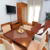 One-Bedroom Apartment with Terrace and Partial Sea View (4 Adults)