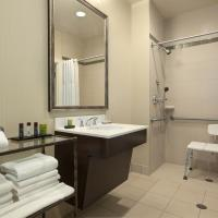 Non-Smoking King Suite Accessible with Shower