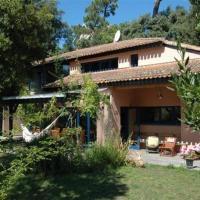 Hotel Pictures: Villa Emplacement Idéal 2, La Palud