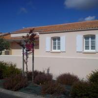 Hotel Pictures: Villa 700m A Pied De La Plage Du Platin, Puyraveau