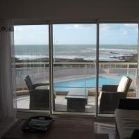 Hotel Pictures: Apartment La Chaume Grand Bleu, La Chaume