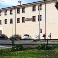 Hotel Pictures: Apartamentos Selgas, Cudillero