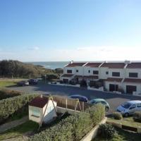 Hotel Pictures: Villa Village Du Bois Saint Jean, Saint-Jean-d'Orbetiers