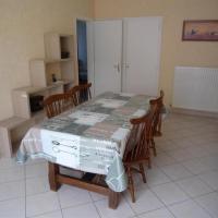 Hotel Pictures: Apartment Pontreau Appt T3 Proche Plage/Lac De Tanchet, La Pironnière