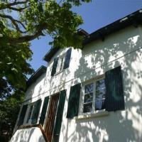 Hotel Pictures: Villa Maison Renovée Des Années 50 Au Calme, Pontaillac
