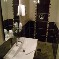 Classic Double Room with Shower or Bath