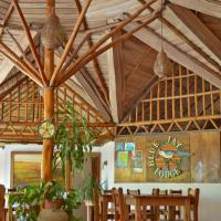 Hotel Pictures: Blue Jay Lodge, Mal País