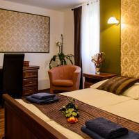 Hotel Pictures: Zámecký Penzion Rotunda, Břeclav