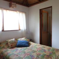 Hotel Pictures: Cabina Bamboo, Santa Ana