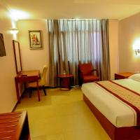 Hotel Pictures: HBT Russel Hotel, Kampala