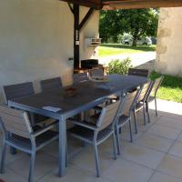 Hotel Pictures: Holiday Home Lieu dit Le Bouzigot, Lamothe-Goas