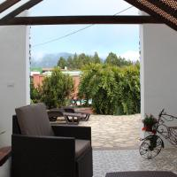 One-Bedroom Bungalow with Mountain View