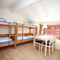 Cottage with Shared Bathroom (4 Adults)