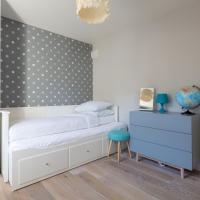 Three-Bedroom Apartment - Stanhope Gardens VIII