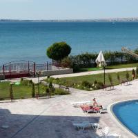 Hotel Pictures: Apartments Privilige Fort Beach, Elenite