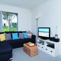 Hotel Pictures: Fingal Bay Beach House, Fingal Bay