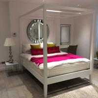 Superior Studio with Four Poster Bed
