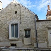 Hotel Pictures: Maison De Vacances - Ancy-Le-Franc, Ancy-le-Franc