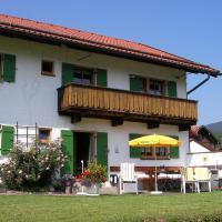 Hotel Pictures: Gästehaus Attenhauser, Unterammergau