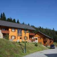 Hotel Pictures: Monarchia Park, Lachtal