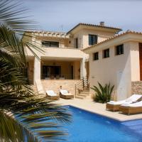 Hotel Pictures: Villa Ocean Blues, Cala Santanyi