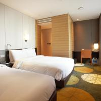 Deluxe Family Room with Free Breakfast for 1 Person