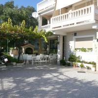 Foto Hotel: Apartment in Rab/Insel Rab 16098, Rab