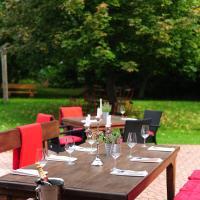 Hotel Pictures: Hotelgasthof Lengefelder Warte, Anrode