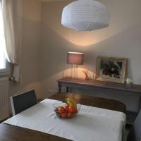 Hotel Pictures: La Petite Maison, Froville