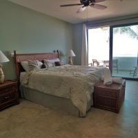 Deluxe King Room with Ocean View