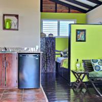 Hotel Pictures: Parrot Cabana at Crocodile Creek, Placencia Village